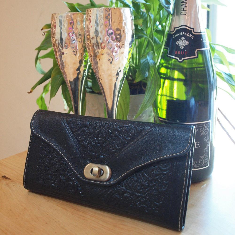 leather-tri-fold-purse-black