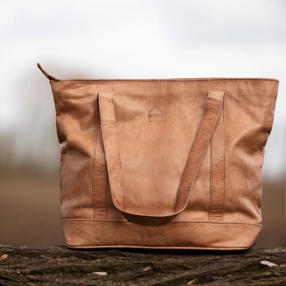 the-nador-tote-bag-in-tan