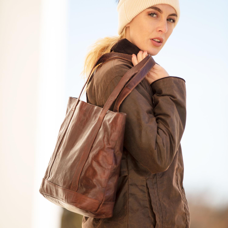 the-nador-tote-bag-in-dark-brown